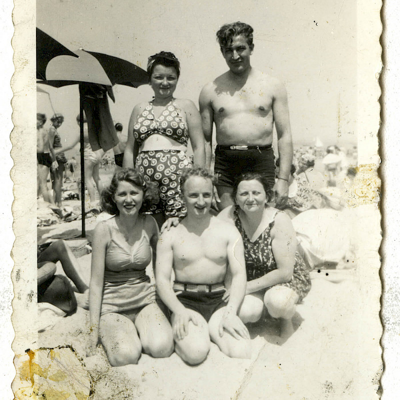 Ferencz family at the beach, 1942