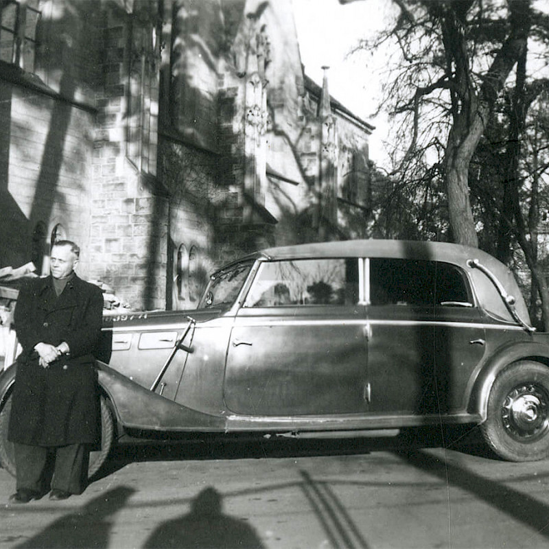 Maybach car with a driver in Berlin, Thanksgiving Day 1946
